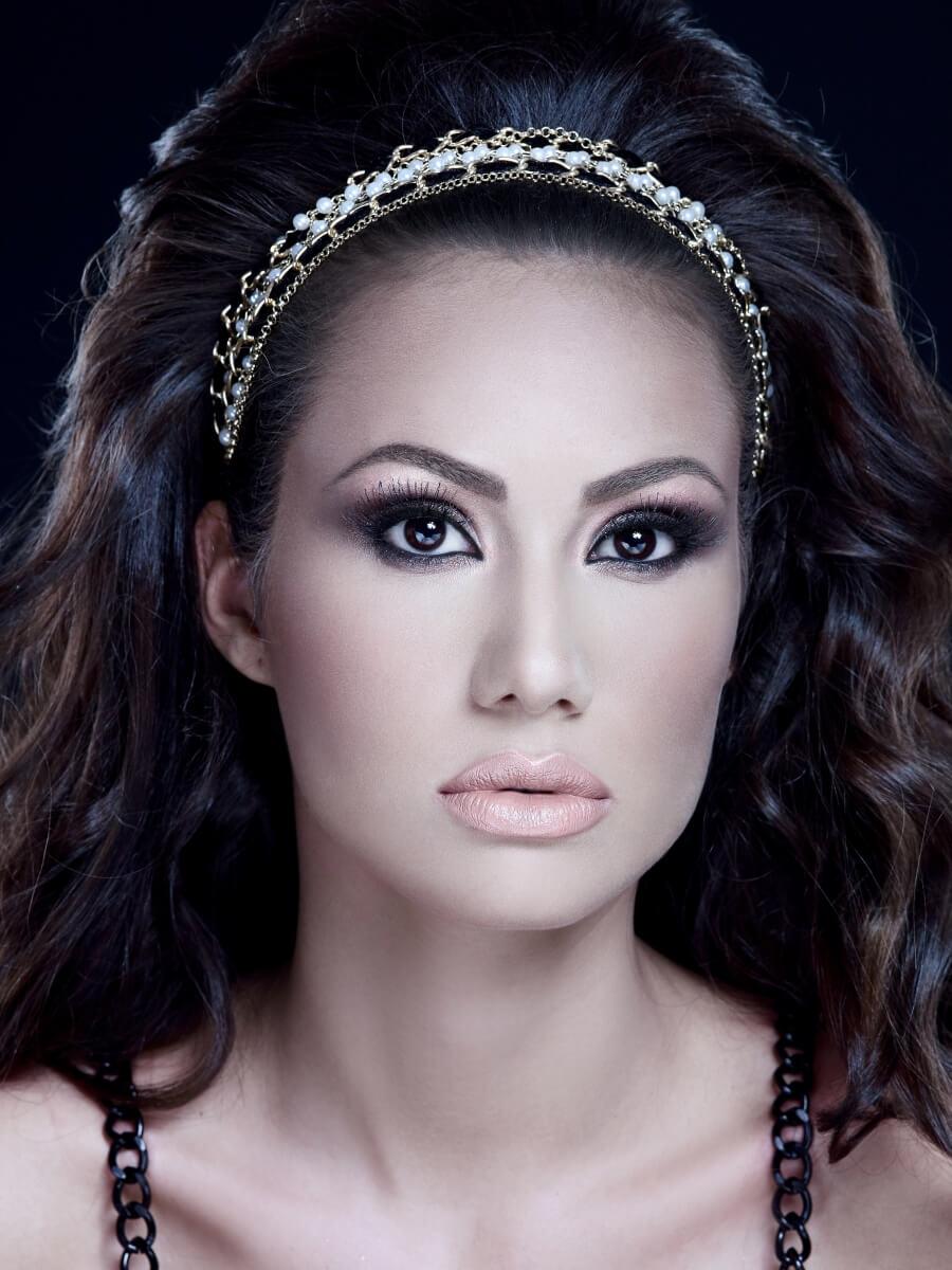cursuri makeup 74A46D25-3F61-4763-8428-415FEE6FD99E